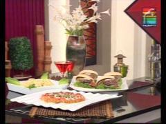 Carrot Fudge Double Beef Bun Kebab And Hot Mustard